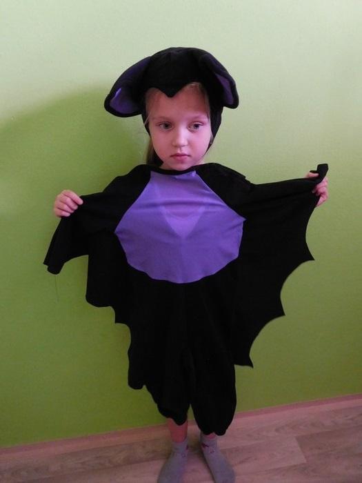 Dětský maškarní kostým - Netopýr (Cena za půjčovné na 1-3 dny nebo víkend:)
